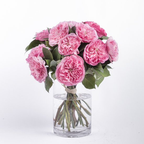 A bouquet of garden roses and english roses by Ode la Rose