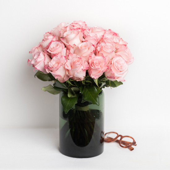 Pink Rose Centerpiece : Rose bouquet delivery send a of roses by the dozen