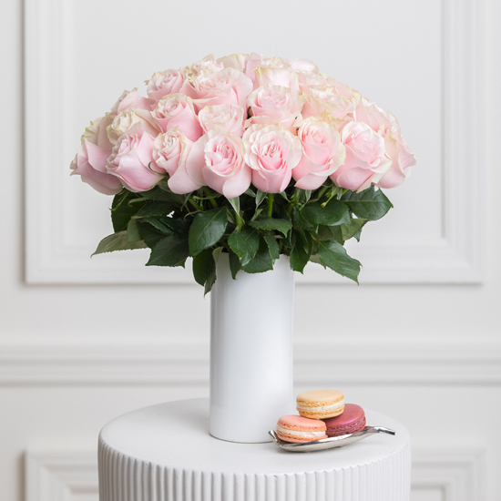 Valentine's day pink roses bouquet